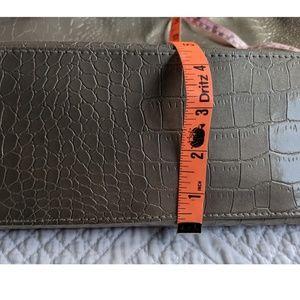 Neiman Marcus Bags - Neiman Marcus 18x14 Shopping Tote Faux Alligator